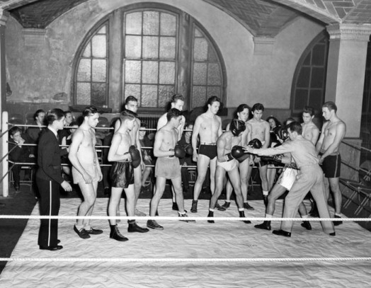 street_gymnasium_amateur_boxing_lessons
