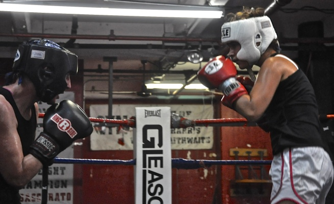 Mischa Merz (l) and Kristina Naplatarski. Gleason's Gym. Credit: Malissa Smith