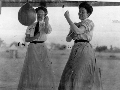 women-boxing